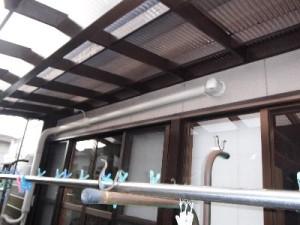 2  一本の大きいダクトで2台分のエアコン配管