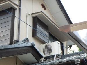 3 2階なので室外機は前と同じ位置の屋根に設定