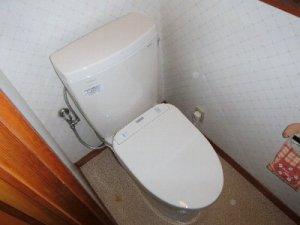 4 工事後 トイレが明るくなったと喜んでおられました