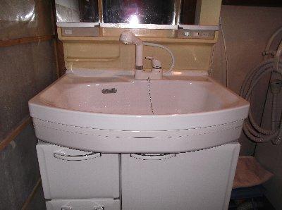 3 工事後 洗髪用の水栓に替わりました。