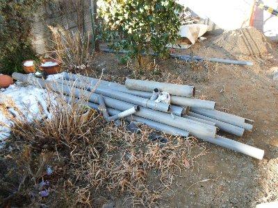 3  工事中 配管とマスは撤去しました。