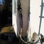1  工事前 保温材がはがれ配管が露出しています。