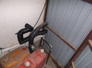 2 工事後 手前の給湯配管を切り離して新たに配管をしました。
